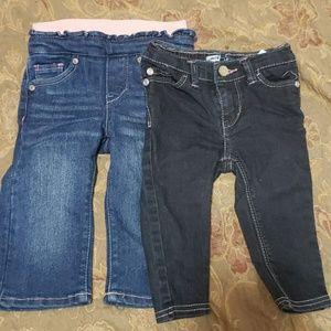 2 Levi Jeans